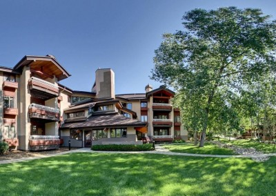 2241284-Trappeurs-Crossing-Resort-by-Wyndham-Vacation-Rentals-Hotel-Exterior-2-RTS